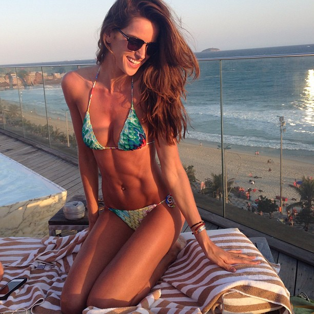 Izabel Goulart The Body