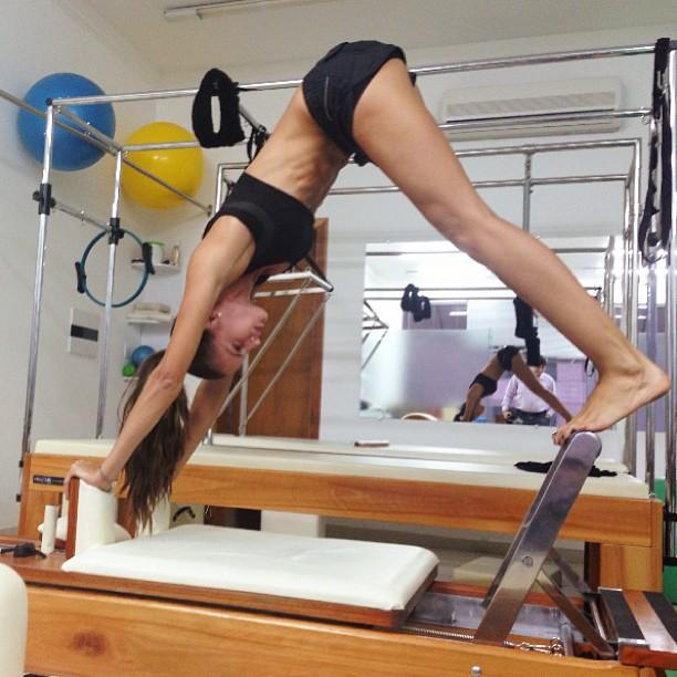Izabel Goulart Pilates Reformer