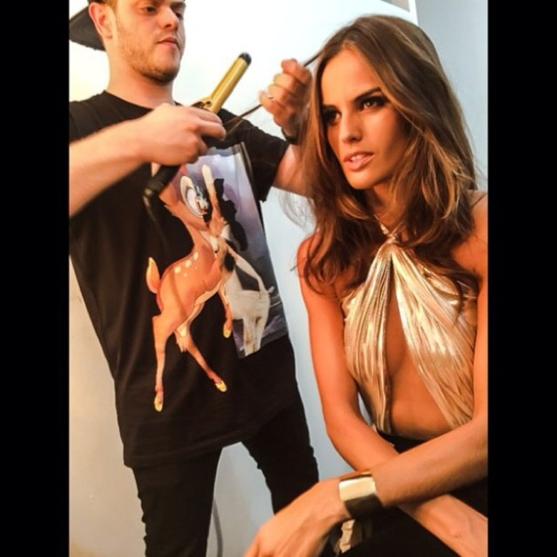 Izabel Goulart Shooting the Dell Anno Ad 2014