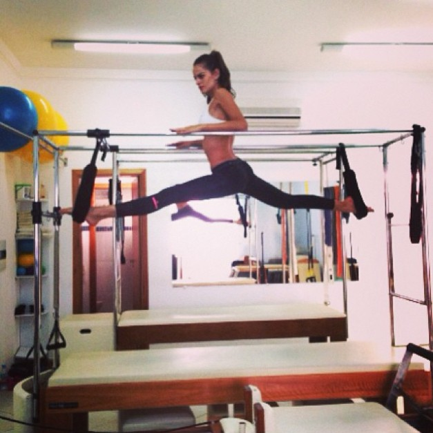 Izabel Goulart Pilates Ballet Stretch