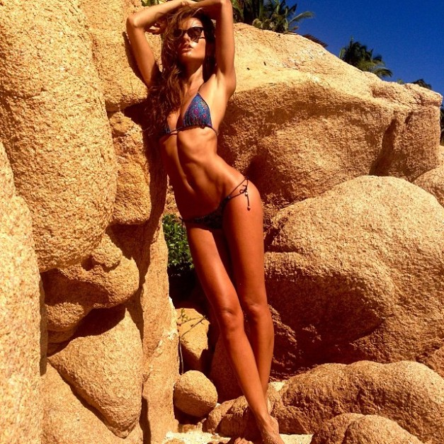 Izabel Goulart Not a Bad Way to Start the Workday