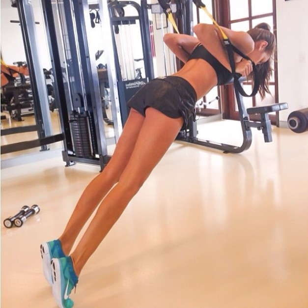 Izabel Goulart Cool Down Calves