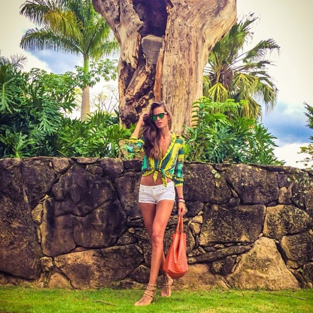 Izabel Goulart Weekend Style